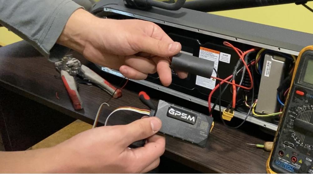 GPS трекер для электросамоката изображение 22