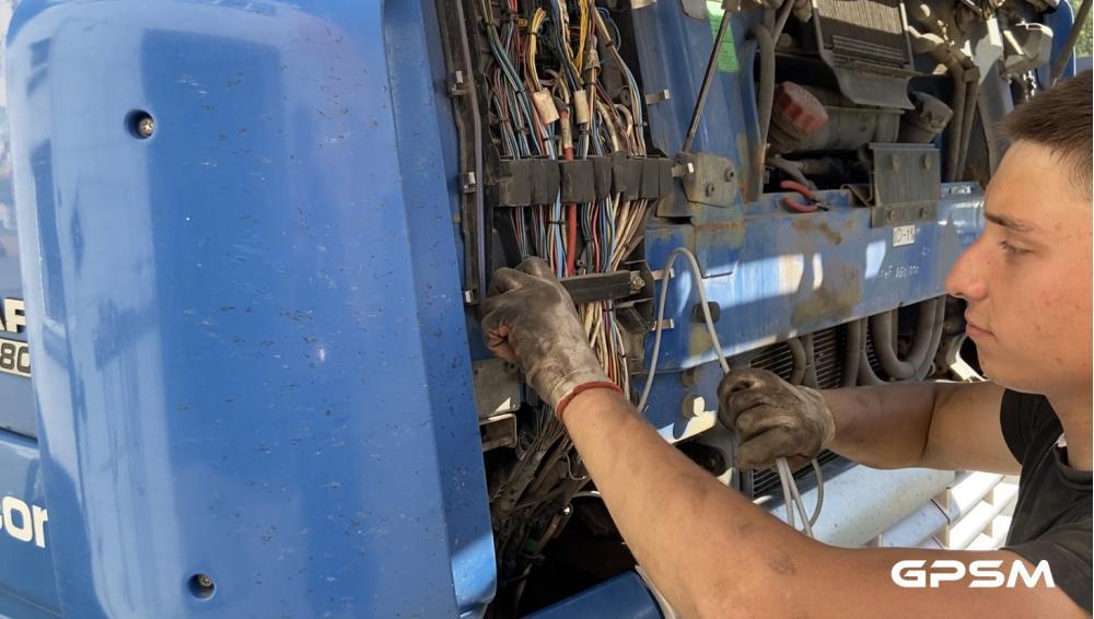 Установка датчика уровня топлива на грузовой автомобиль DAF XF 95 380 изображение 7