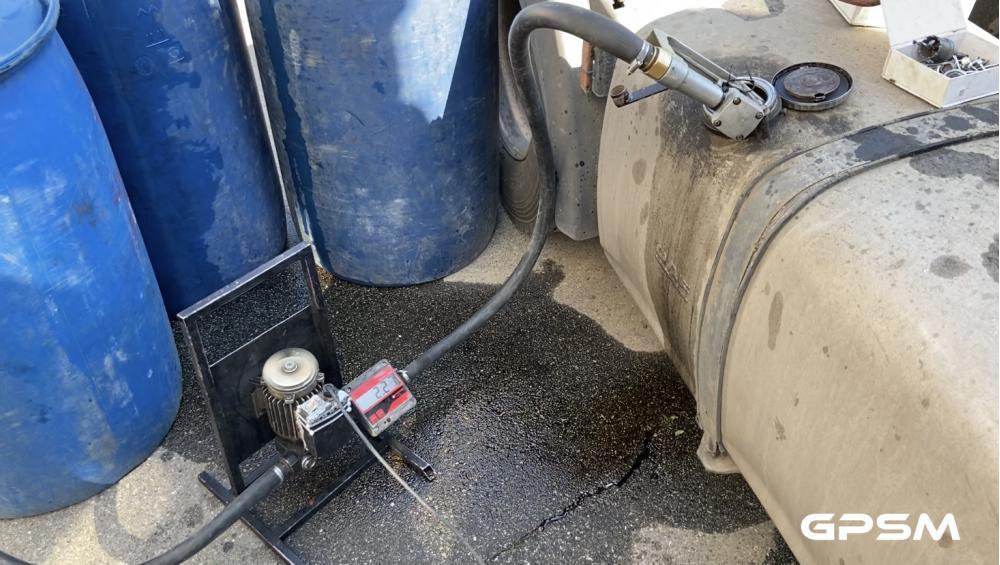 Установка датчика уровня топлива на грузовой автомобиль DAF XF 95 380 изображение 5