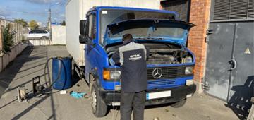 Система слежения и контроля топлива для грузового фургона Mercedes-Benz