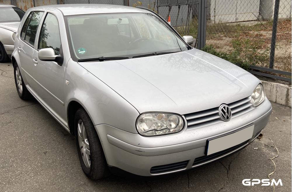 Установка GPS трекера на автомобиль VW Golf изображение 1