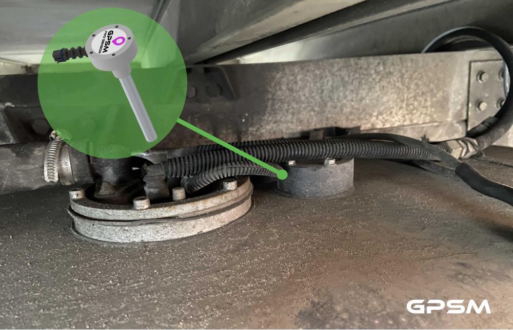 Система GPS контроля расхода топлива на грузовой фургон Iveco Daily 70 C17 изображение 4