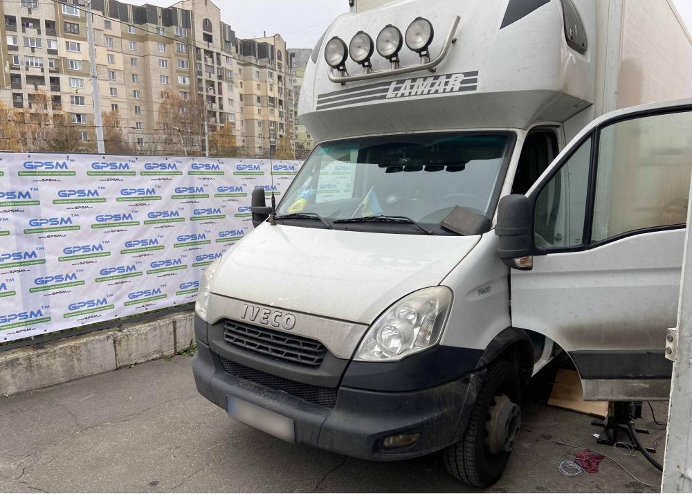 Система GPS контроля расхода топлива на грузовой фургон Iveco Daily 70 C17 изображение 1