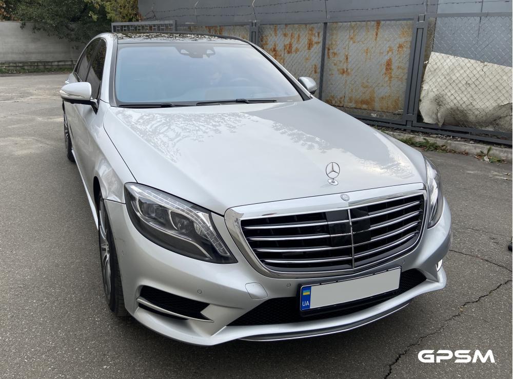 Установка GPS с блокировкой двигателя на Mercedes-Benz S-Class изображение 4