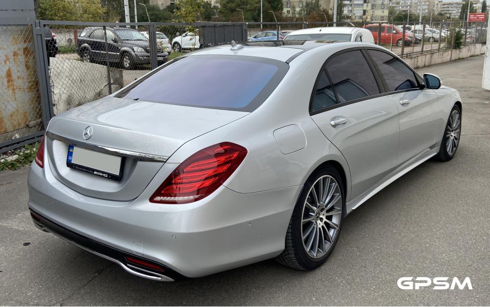Установка GPS с блокировкой двигателя на Mercedes-Benz S-Class изображение 2