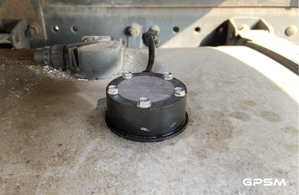 GPS контроль транспорта с датчиком уровня топлива изображение 3