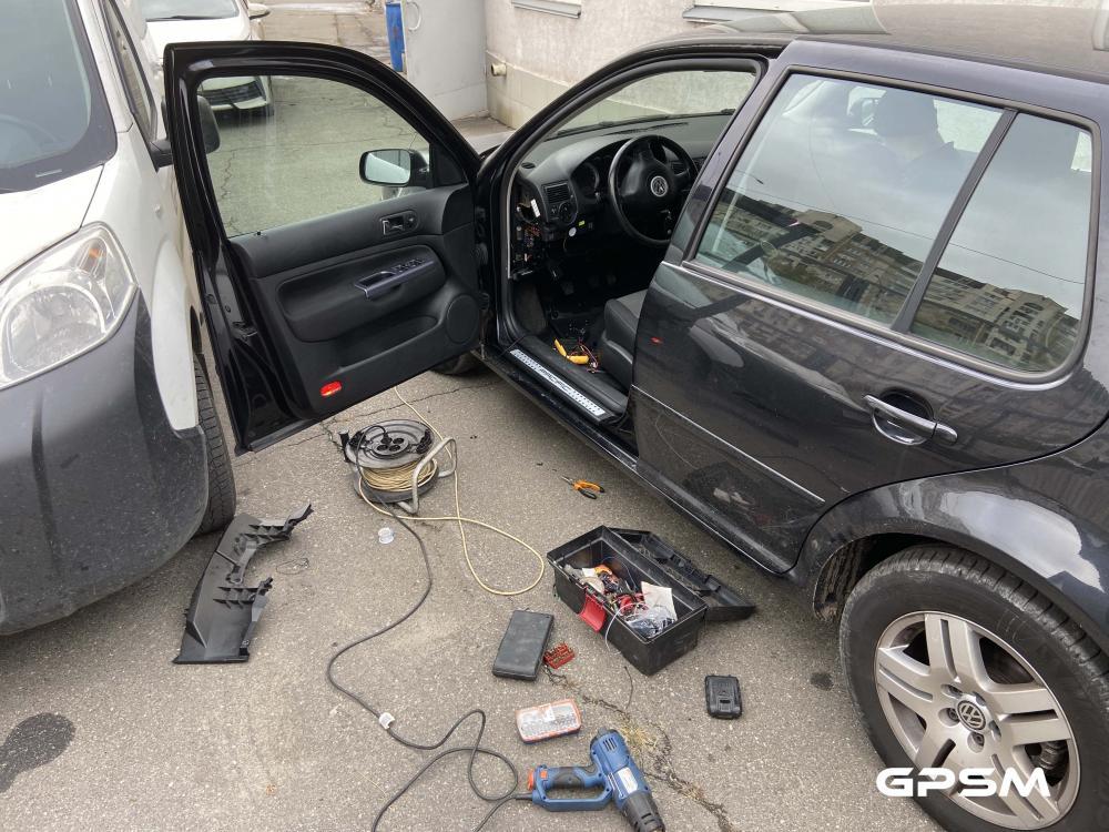 Монтаж GPS трекера на автомобиль Volkswagen изображение 2